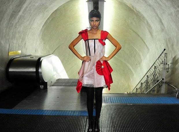 Desfile no Metrô