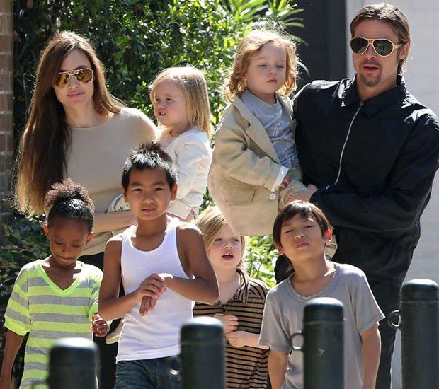 Pitt e Jolie com Filhos